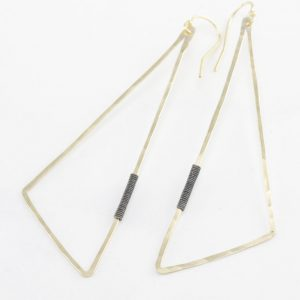 triangle Penna earring by bohemi