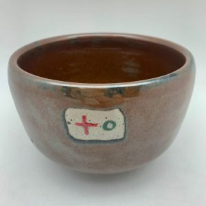 Brown +o Bowl by Lynn Munns